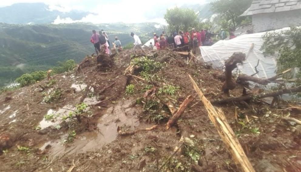 पर्वतको कुस्मामा पहिरोमा परेर मृत्यु हुनेको संख्या पाँच पुग्यो