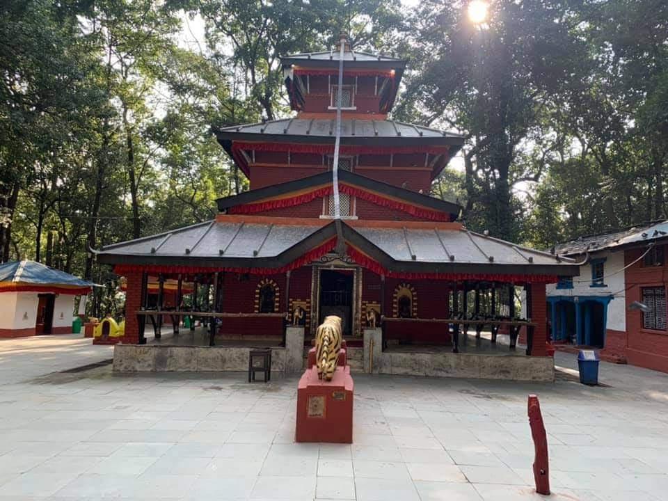 तस्विरमा नवरात्रीसुरु भए पछिका बागलुङ कालिका भगवती मन्दिर