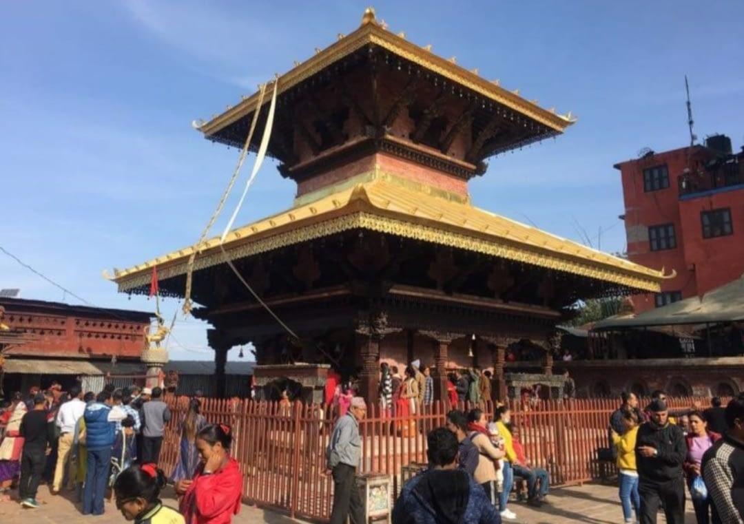 मनकामना मन्दिरमा दर्शन गर्न आउने दर्शनार्थीको भिड