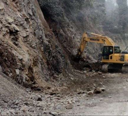 नारायणगढ–मुग्लिन सडकखण्ड भोली दिउँसो बन्द
