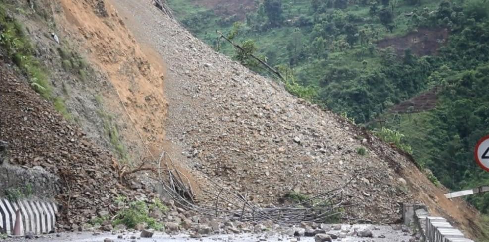 नारायणगढ-मुग्लिङ सडकखण्ड पुन : अबरुद्ध